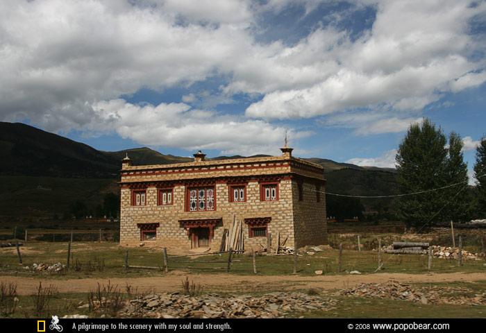 理塘的藏寨